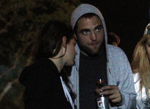 Kristen e Robert no festival de música de Coachella (Foto: Honopix)