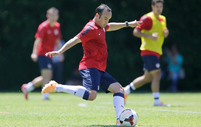 Donovan no treino dos Estados Unidos em São Paulo (Foto: AP)