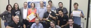 Equipe recebe estatueta do 3º Prêmio Globo de Programação (Divulgação/ Rede Vanguarda)