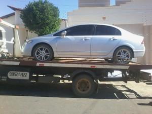 Carro (Foto: Polícia Militar/ Divulgação)