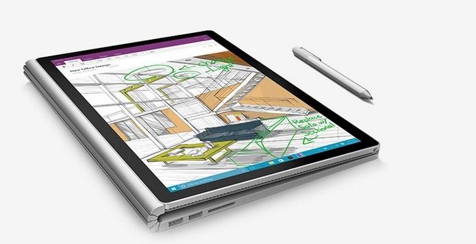 Surface Book vem com caneta inteligente da Microsoft (Foto: Divulgação)