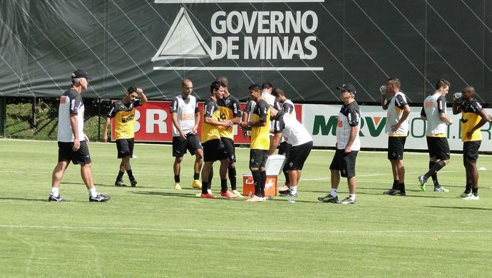 Treino do Atletico Mineiro (Foto: Léo Simonini)