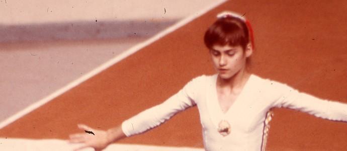 Nadia Comaneci 1976 3 (Foto: Federação Internacional de Ginástica)