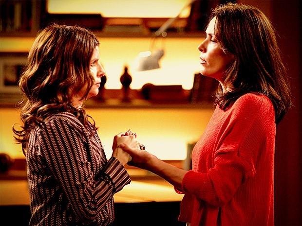 Reta final: Verônica e Alexia acham que Cadinho fugiu com Noêmia (Foto: Avenida Brasil/TV Globo)