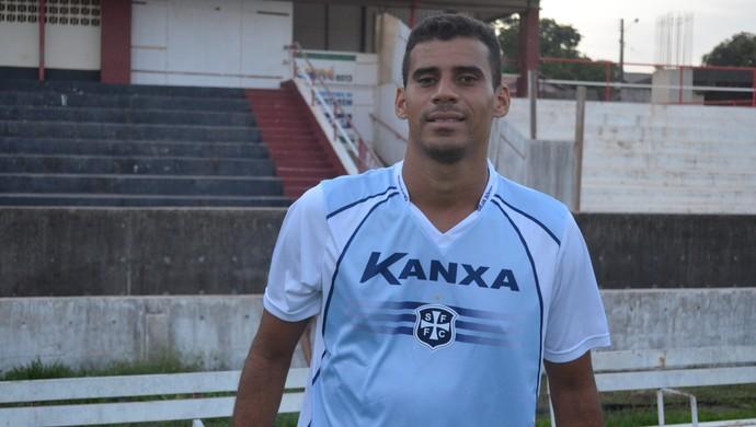 Léo Oliveira, atacante São Francisco (Foto: Gustavo Campos/GloboEsporte.com)