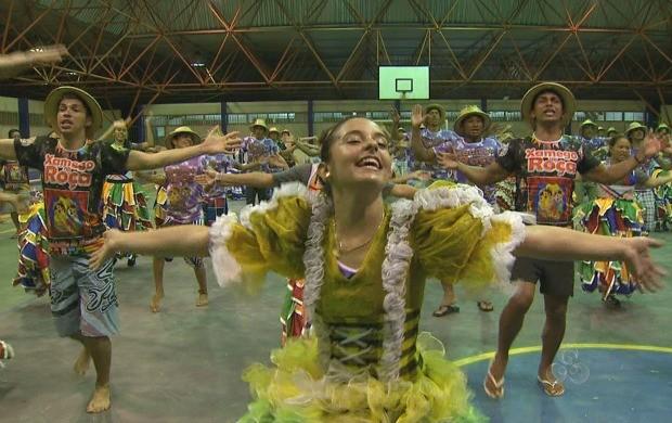 Grupo Xamego na Roça ensaia as coreografias para as apresentações  (Foto: Bom Dia Amazônia)