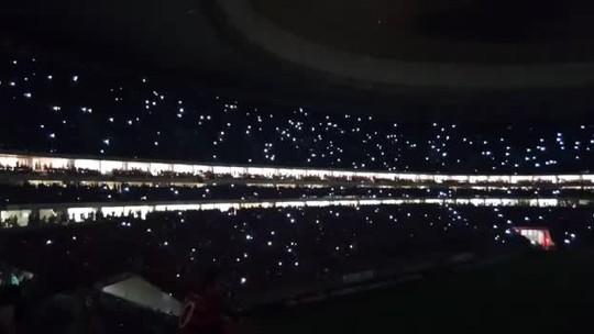 Apagão em estádio marca jogo entre Flamengo e Vasco no DF