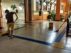 Estudantes fazem mutirão de limpeza em prédio ocupado de universidade