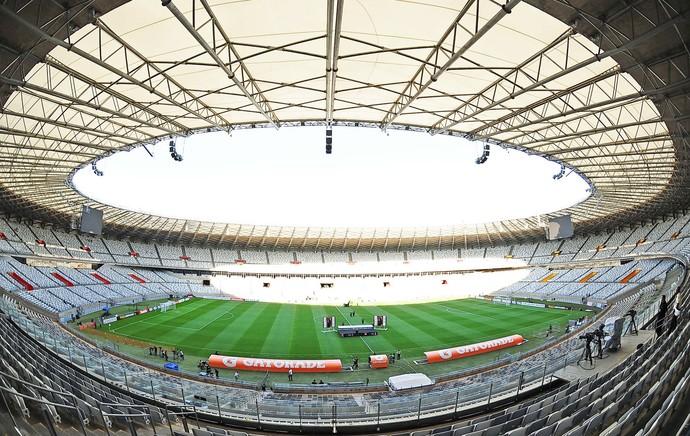 Mineirão preparativos final Libertadores (Foto: Marcos Ribolli / Globoesporte.com)