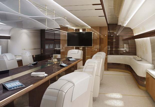 Boeing também é equipado com uma sala de conferência e um escritório  (Foto: Greenpoint Technologies/Divulgação)