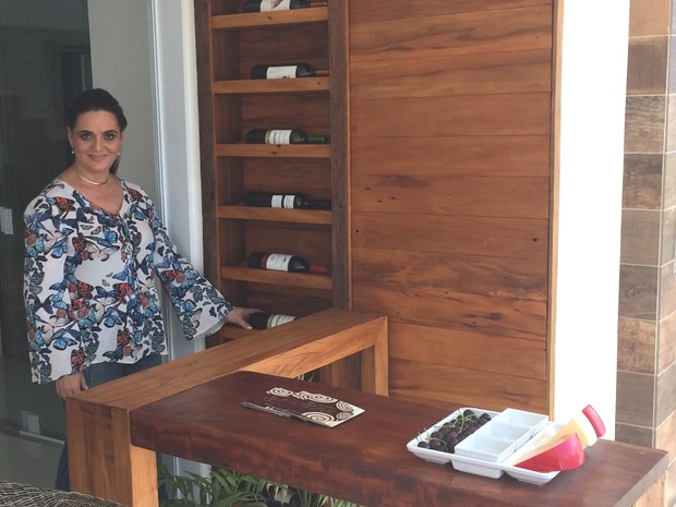 Designer de interiores Jacqueline Adorno aposta em tons claros, em Goiânia, Goiás (Foto: Paula Resende/ G1)