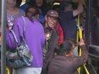1º dia de nova empresa de ônibus tem atraso e lotação em São Carlos, SP