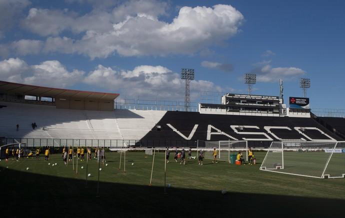 treino do Vasco em São Januário (Foto: Antonio Scorza / Agencia O Globo)