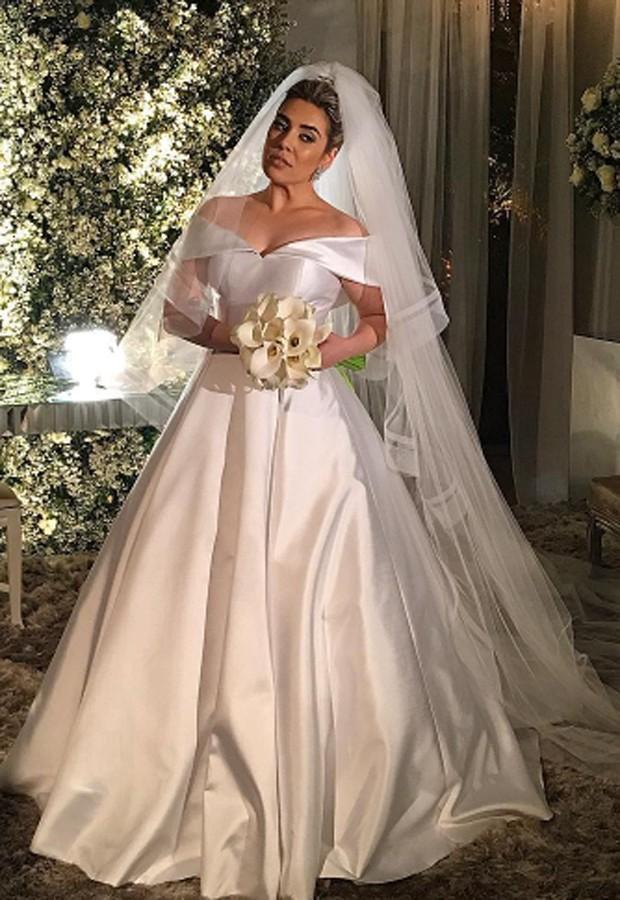 Naiara Azevedo usou vestido assinado polo estilista Cristiano Bernardes (Foto: Reprodução/Instagram)