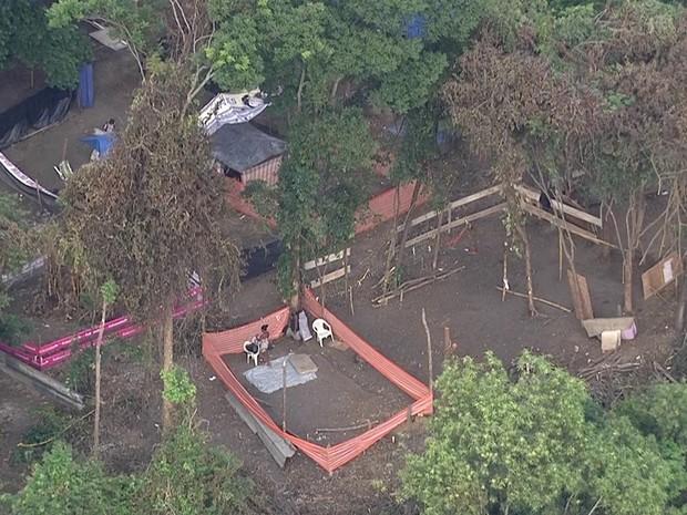 Ação da PM tinha como objetivo reintegrar área que seria ocupada na Cidade de Deus (Foto: Reprodução/TV Globo)