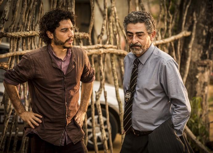 Martim e delegado Germano (Foto: Inácio Moraes/ Gshow)