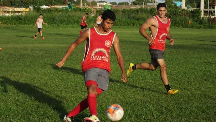 Jogadores participam de peneira e tentam uma vaga no elenco profissional do Guajará, para 2017 (Foto: Cleilson Sales / Arquivo pessoal)
