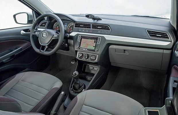 Volkswagen Voyage (Foto: Marcelo Spatafora/Autoesporte)