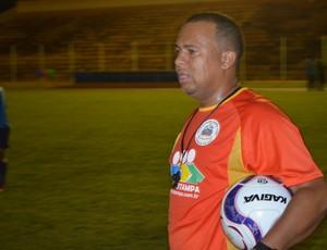 Tiago Batizoco, técnico do Rolim de Moura  (Foto: Fábio Diniz/TV Cacoal)