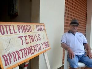 Empresário Ruy Lobato lamenta movimento fraco (Foto: Abinoan Santiago/G1)