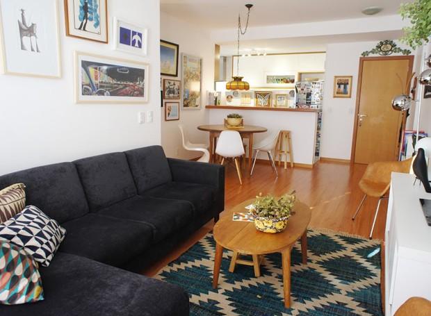 Modernismo e boemia: um apartamento decorado na capital
