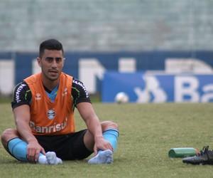 Marquinhos Pedroso, lateral-direito do Grêmio   (Foto: Diego Guichard)