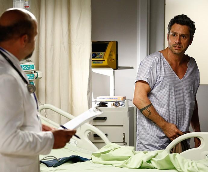 Romero descobre que tem esclerose múltipla (Foto: Raphael Dias/Gshow)