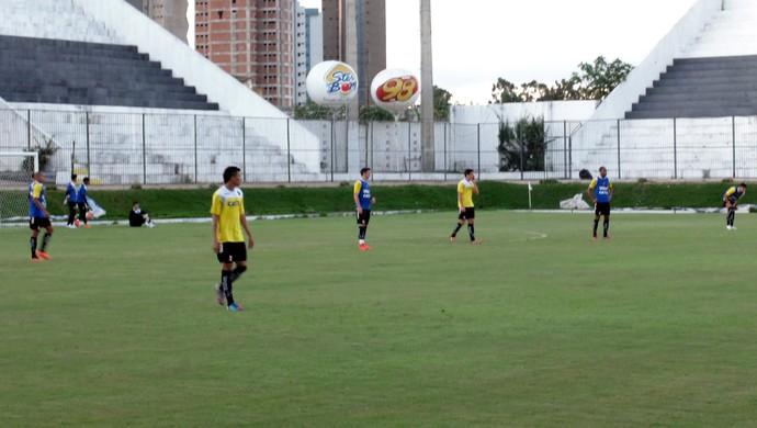 ABC - zaga com Reginaldo, Suéiton, Maurício e Lima (Foto: Carlos Cruz/GloboEsporte.com)