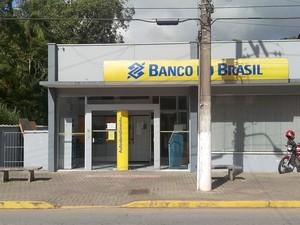 Agência bancária só vai voltar a trabalhar com dinheiro vivo quando se mudar para novao local onde será instalada (Foto: Luis Carlos de Souza/RBS TV)