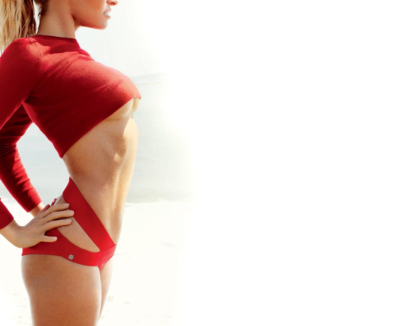 Conheça a técnica que promete cintura DE PILÃO e barriga negativa sem fazer sequer um exercício ABDOMINAL (Foto: Zee Nunes / Arquivo Vogue)