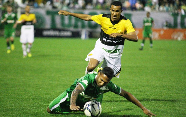 serginho fabinho alves criciuma x chapecoense (Foto: Getty Images)