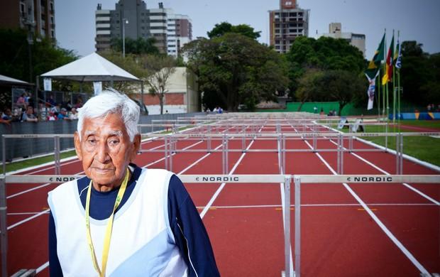 Argentino Jose Lourenzo Escobar está em Porto Alegre para o Mundial de Atletismo (Foto: Tiago da Silveira Garcia/Divulgação)