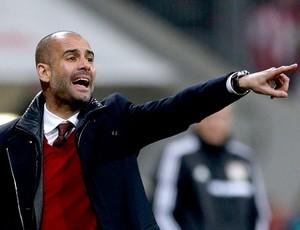 Pep Guardiola jogo Bayern de Munique contra o Leverkusen (Foto: AP)