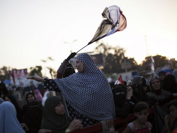 Manifestantes pró-Morsi montaram acampamento no Cairo  (Foto: Manu Brabo/AP)