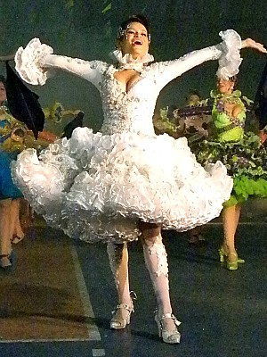 Noiva de quadrilha junina, Rachel passa por uma maratona para se preparar para as apresentações. (Foto: Arquivo pessoal)