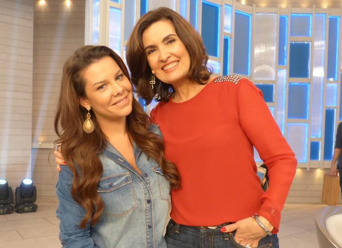 Fátima ao lado da atriz Fernanda Souza (Foto: Gshow)