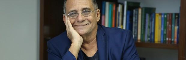 Confira entrevista com Tarcísio Pequeno (Confira entrevista com o cientista Tarcísio Pequeno, Presidente da Funcap (Ares Soares/Unifor))