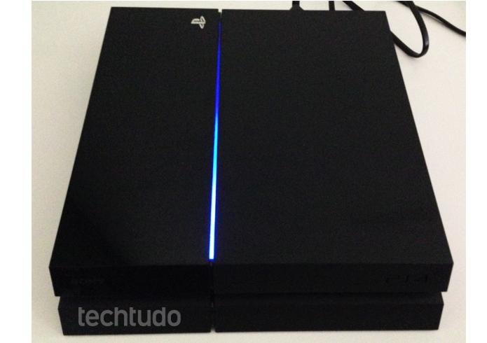 Playstation 4 é um sucesso, mas no Brasil é uma decepção devido ao alto preço (Foto: Thiago Barros / TechTudo) (Foto: Playstation 4 é um sucesso, mas no Brasil é uma decepção devido ao alto preço (Foto: Thiago Barros / TechTudo))