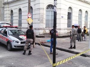 Morador de rua é morto a facadas no Centro de João Pessoa, Paraíba (Foto: Walter Paparazzo/G1)