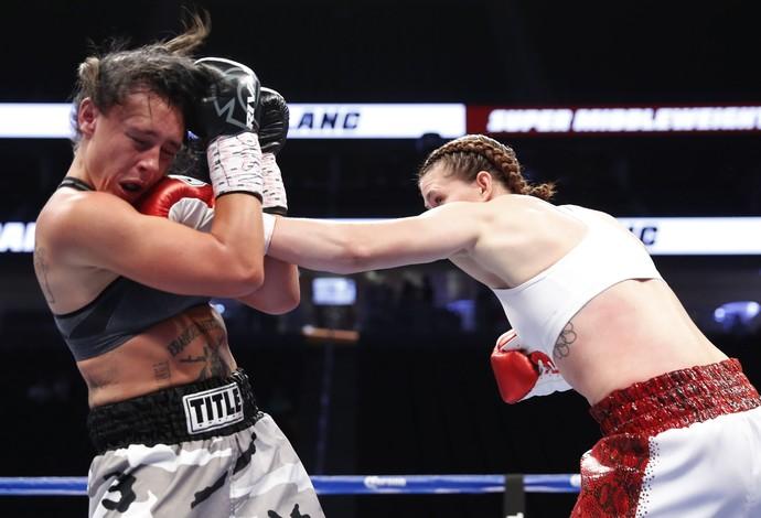Savannah Marshall v Sydney LeBlanc boxe las vegas (Foto: Steve Marcus/Reuters)