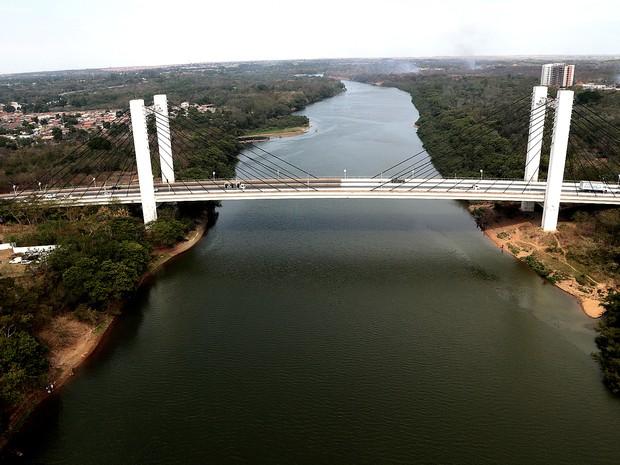 Foto aérea da Ponte Sérgio Motta, sobre o rio Cuiabá, Mato Grosso, MT, Várzea Grande. (Foto: Lenine Martins/Sesp-MT)