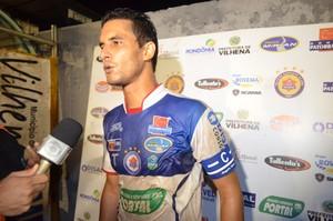 Zagueiro Junior fala sobre vitória do Vilhena (Foto: Lauane Sena)