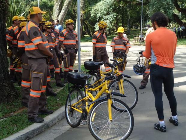 Agentes são orientadas sobre legislação de trânsito, comportamento de ciclista e procedimentos técnicos.  (Foto: Divulgação/Bicicreteiro.org)