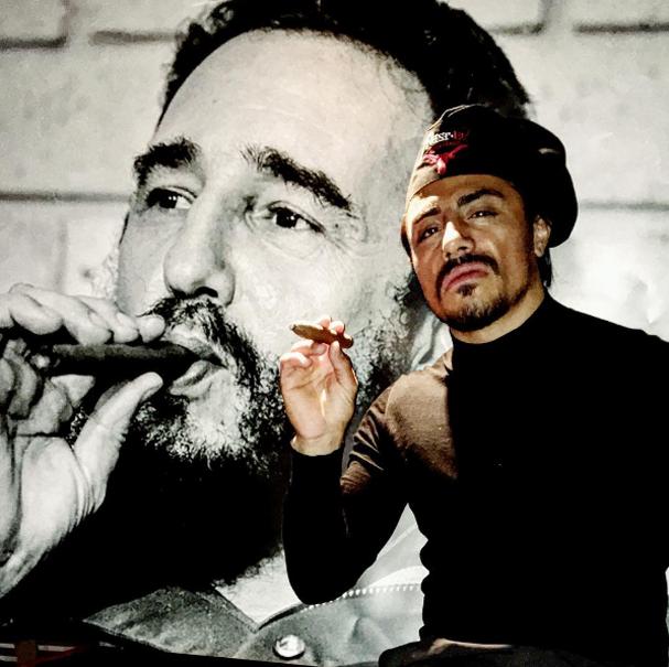 """""""Salt Bae"""" fazendo o Fidel (Foto:  Reprodução/Instagram)"""
