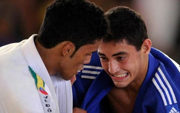 André (de azul) conquistou a medalha de ouro na Austrália (Foto: Divulgação família)