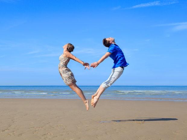 Dia dos Namorados deve aumentar número de downloads do Tinder (Foto: AFP)