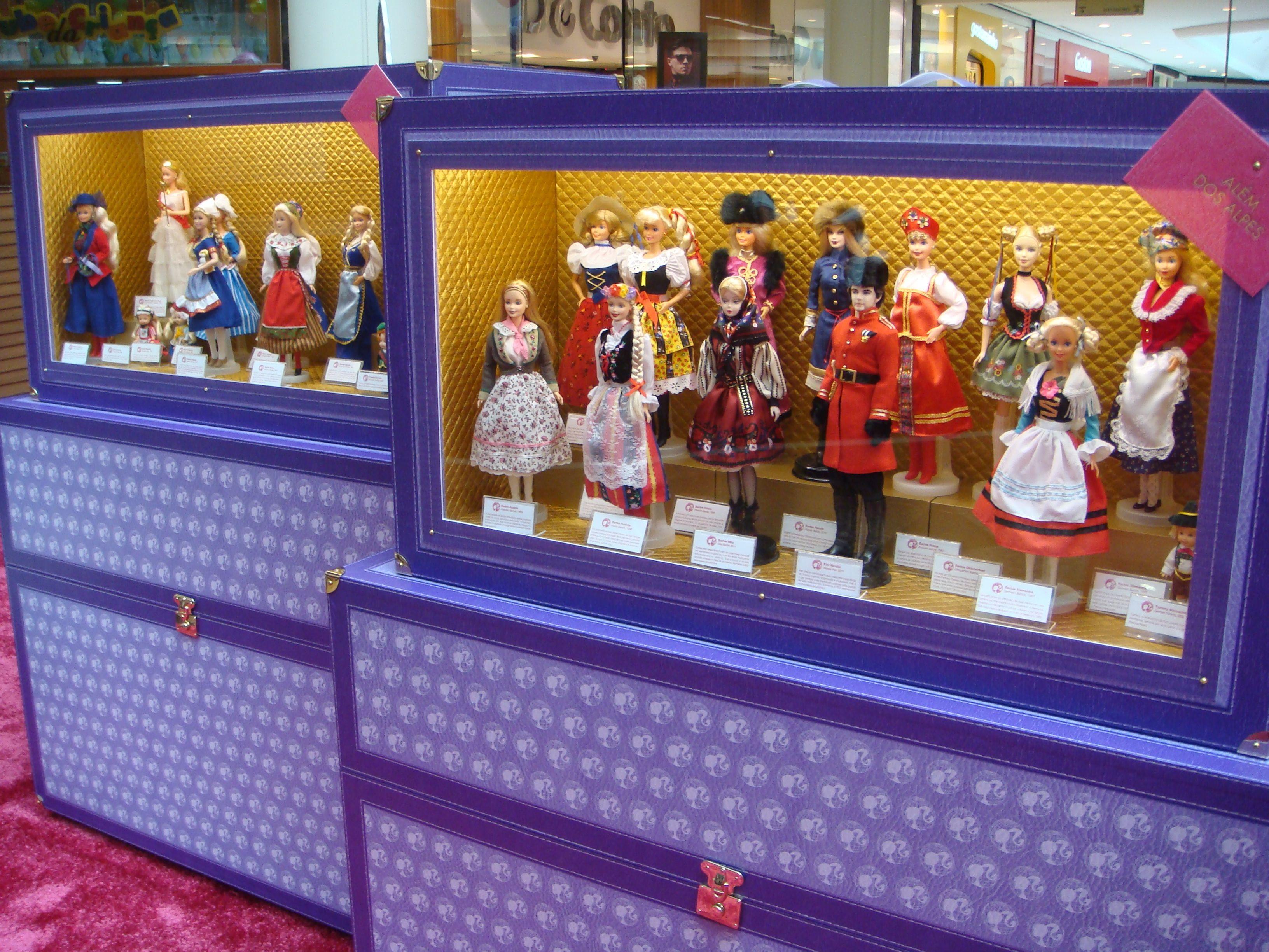 Exposição 'Barbie Terras Distantes' reúne 200 bonecas temáticas (Foto: Divulgação)
