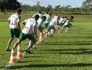Uberlândia Esporte Clube faz treino físico (Foto: Felipe Santos/GLOBOESPORTE.COM)