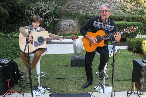 Otávio Mesquita faz parceria com o filho Pietro (Foto: Manuela Scarpa/Brazil News)