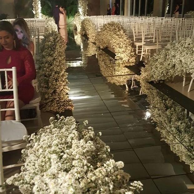 Decoração do casamento de Naiara Azevedo (Foto: Reprodução/Instagram/50tonsdenaiaraazevedo)
